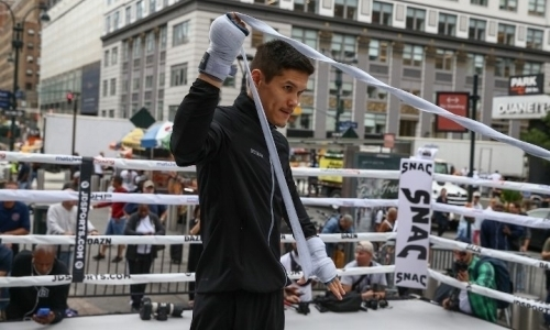 «Казахстанский золотой мальчик». Промоутер Елеусинова порадовался его победе нокаутом