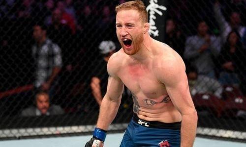 Главный бой турнира UFC Fight Night 158 завершился страшным нокаутом в первом раунде. Видео