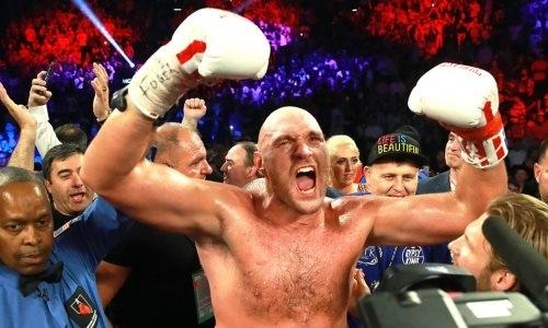 Тайсон Фьюри залил кровью ринг, но побил непобежденного нокаутера и взял пояс WBC