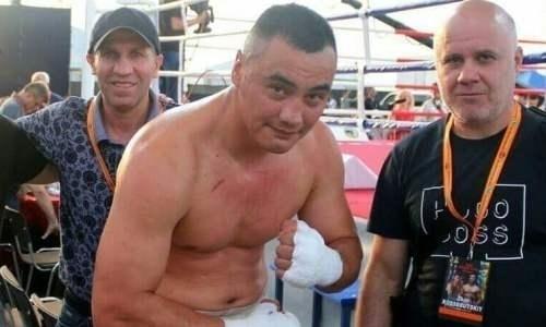 Казахстанский супертяж оценил свою победу нокаутом и сообщил о следующем бое