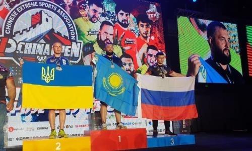 Ильин выиграл международный турнир по армрестлингу