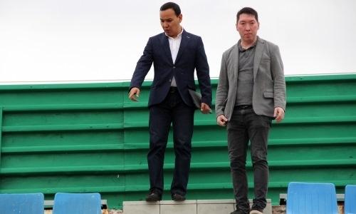 Руководитель ПФЛК осмотрел стадион «Шахтер» в Экибастузе