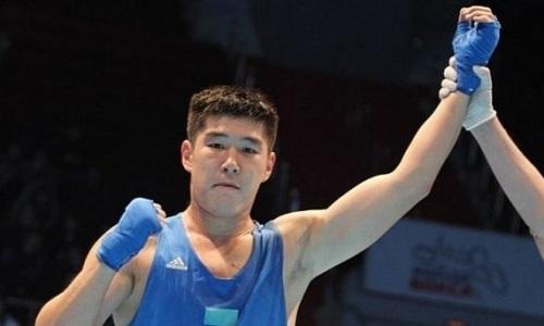 Казахстанский боксер оформил третий нокдаун на ЧМ-2019 и вышел в полуфинал турнира