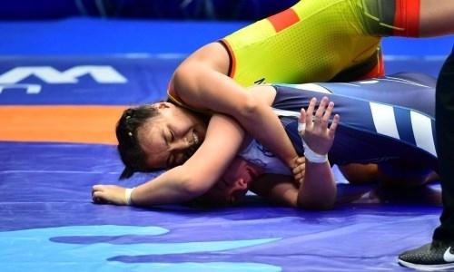Казахстанка проиграла «бронзу» чемпионата мира по борьбе в Нур-Султане