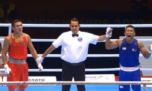 Видео боя с нокдауном действующего чемпиона Азии из Казахстана в полуфинале ЧМ по боксу