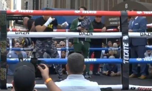 Деревянченко провел открытую тренировку перед титульным боем с Головкиным. Видео