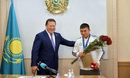Призер чемпионата мира из Казахстана получил квартиру