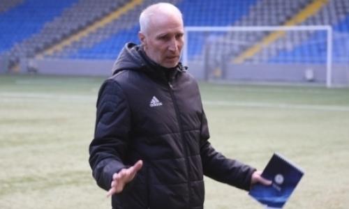 «Единственный, кого можно было бы натурализовать, — это Исаэль». Вахид Масудов разобрал состав сборной Казахстана на Кипр и Бельгию