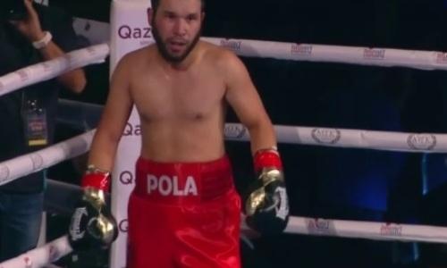 Небитый казахстанский боксер дважды отправил в нокдаун и нокаутировал россиянина в Алматы