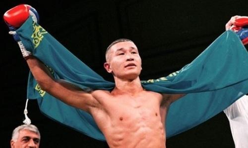 Непобежденный казахстанец из компании Фьюри и Сондерса победил нокаутом за две минуты в Алматы