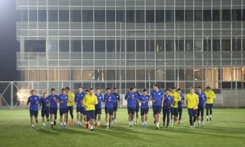 Молодежная сборная Казахстана прибыла в Македонию и провела первую тренировку