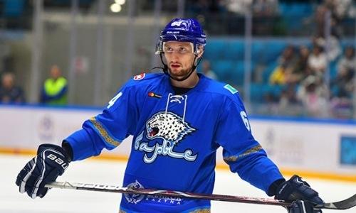 «Мы не должны столько пропускать». Хоккеист «Барыса» разобрал поражение от рижского «Динамо» и назвал ключевой фактор