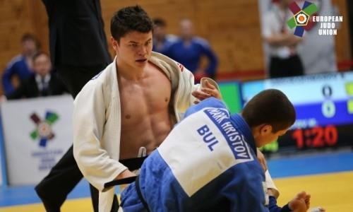 Казахстанские дзюдоисты остались без медалей во второй день чемпионата мира среди молодежи