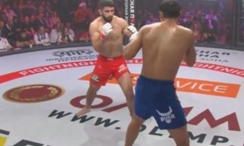 Видео жестокого нокаута «двоечкой» казахстанского бойца на турнире Fight Nights Global в России