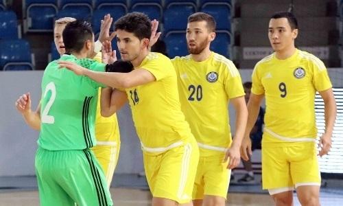 Сборная Казахстана добралась в Пьятра-Нямц на матчи отбора чемпионата мира