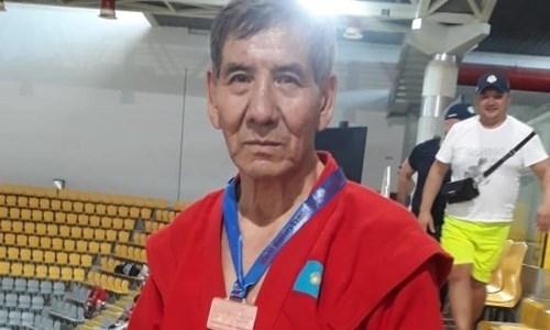 76-летний казахстанец завоевал «бронзу» на чемпионате мира по самбо