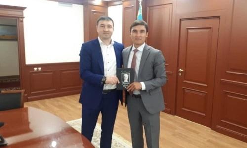 Сапиев встретился с обидчиком Головкина