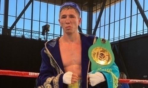 Небитый казахстанский боксер досрочно победил соперника с 43 победами в бою за титул WBC с четырьмя нокдаунами