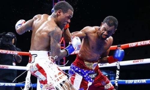Чемпион мира выиграл главный бой вечера бокса с казахстанцем в андеркарде. Видео