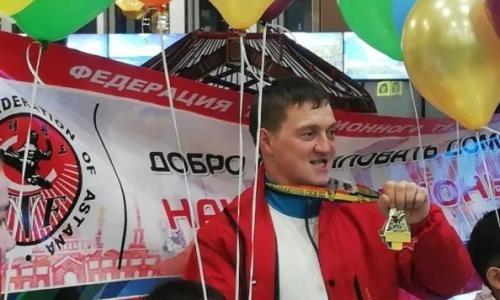 Сапиев опроверг, что чемпиона мира по армрестлингу никто не встретил в аэропорту после победы в Румынии