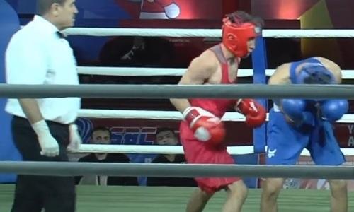 Видео нокдауна, или Как казахстанский боксер избил чемпиона мира из Узбекистана на МЧА-2019