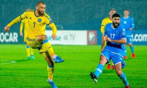 Игроки сборной Казахстана провели свои юбилейные матчи