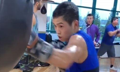 Казахстанский чемпион WBC продолжает подготовку к возвращению на ринг после победы в андеркарде у Фьюри