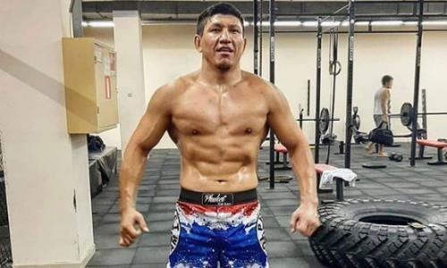 «Стать двойным чемпионом!» Хамитов сообщил детали титульного боя и оценил соперника