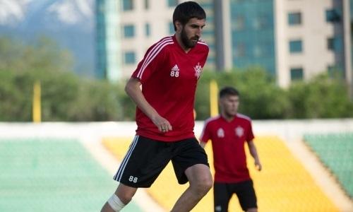 «Актобе» продлил контракт с опытным футболистом с 17 матчами за сезон