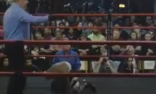 Видео впечатляющего нокаута, или Как казахстанский боксер за 33 секунды вырубил американца в США