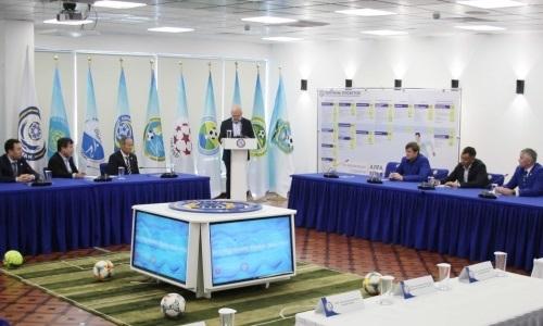 Президент КФФ провел встречу с тренерским штабом сборной Казахстана и оценил его работу