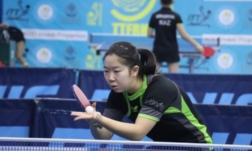 Казахстанка завоевала «серебро» международного турнира по настольному теннису