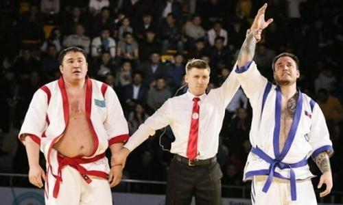 Двукратный победитель «Әлем Барысы» неожиданно проиграл в финале. Назван новый обладатель титула и 10 миллионов тенге