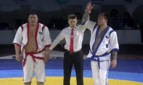 Видео финальной схватки «Әлем Барысы», или Как двукратный чемпион из Казахстана проиграл россиянину 10 миллионов