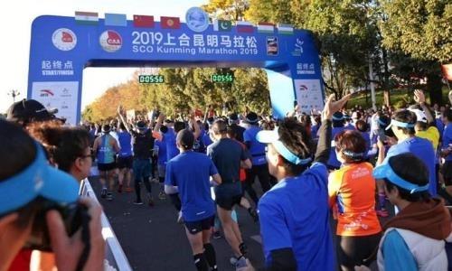 Легкоатлеты Казахстана выступили на международном марафоне ШОС в Китае