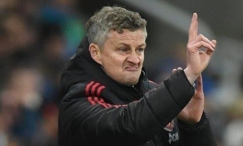 Главный тренер «Манчестер Юнайтед» оказался под угрозой увольнения после поражения от«Астаны»