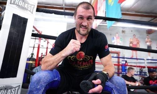«Хватит отдыхать и объедаться». Ковалев вернулся к тренировкам после поражения нокаутом от «Канело»