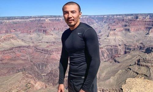 Обещавший шокировать мир небитый казахстанский боксер продолжает тренировки в США