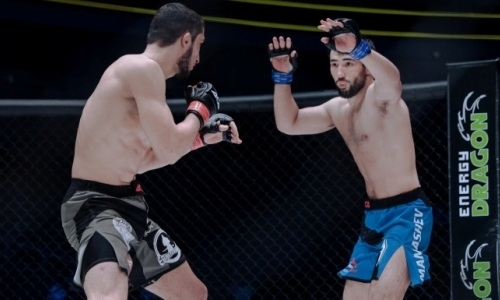 Судьи вынесли решение по спорному нокауту казахстанского файтера на турнире АСА 102 в Алматы