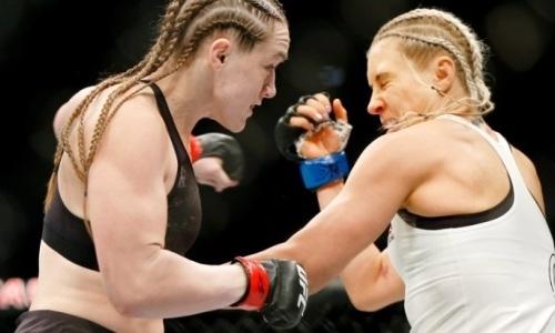 Россиянка пропустила удар в челюсть и рискует лишиться титульных боев в UFC. Видео нокаута