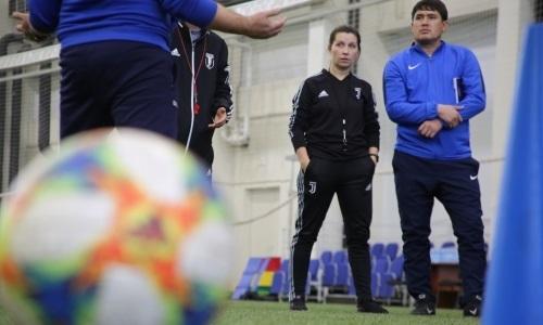 Инструктор УЕФА поделился знаниями с тренерами из Казахстана