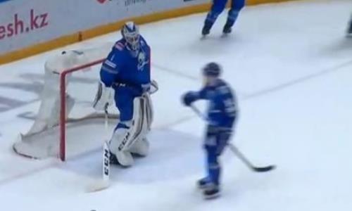 «Барыс» пропустил в большинстве в матче КХЛ после удаления за неудачный тренерский запрос «Салавата Юлаева». Видео