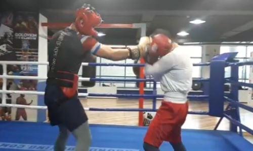 Казахстанская боксерша готовится к дебюту в профи