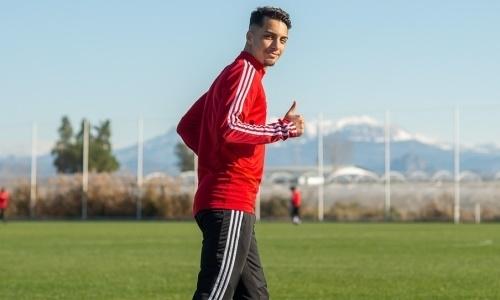 Португальский футболист Нани не подошел клубу КПЛ