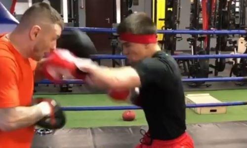 Джукембаев показал силу и скорость комбинаций перед защитой титулов в Канаде. Видео