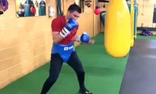 «Груша отказалась от продолжения». Казахстанский нокаутер продолжает тренировки перед возвращением на ринг