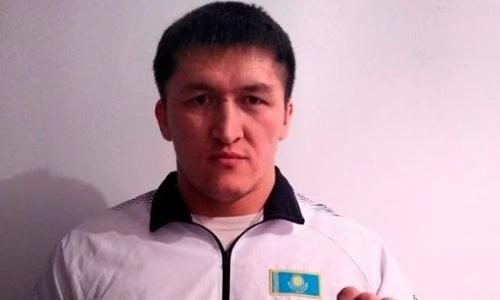 Казахстанский файтер вслед за 180-килограммовым гигантом подписался на Гран-при тяжеловесов