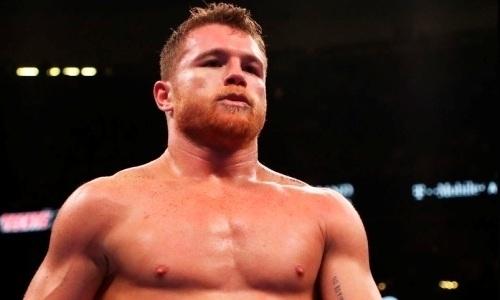 «Есть разница». Назван боксер, превосходящий поуровню «Канело»