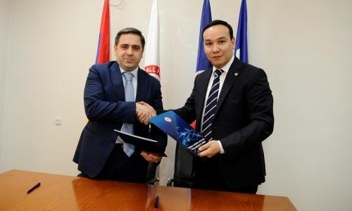ПФЛК и ФФА подписали в Ереване меморандум о сотрудничестве