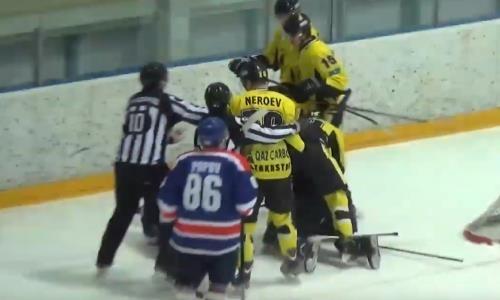 Хоккеисты устроили массовую драку в матче чемпионата Казахстана. Видео
